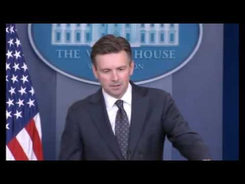 White House Briefing Haunted by Hillary Mail Oct 31 2016