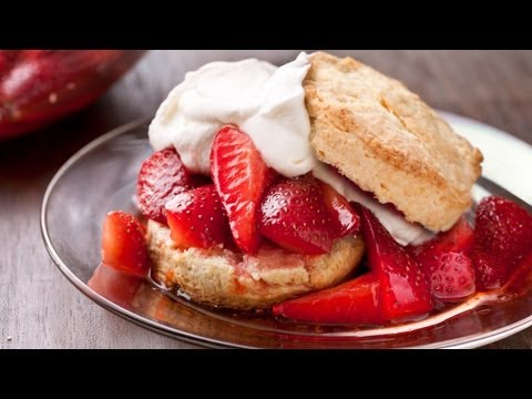 Easy Strawberry Shortcakes - How to Make the Easiest Way