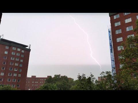Rasande regnet Ragnarök - Oväder i Stockholm - Thunderstorm in Stockholm