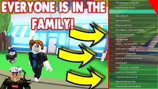 MAKING THE WHOLE SERVER ONE BIG FAMIILY IN ROBLOX ADOPT ME!
