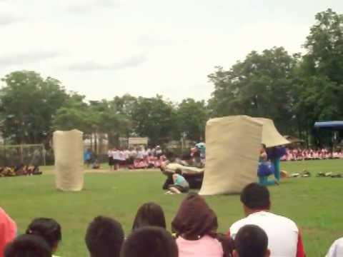 เที่ยงวันหรรษา - สีฟ้า - กีฬาสี โรงเรียนพิจิตรพิทยาคม 2556