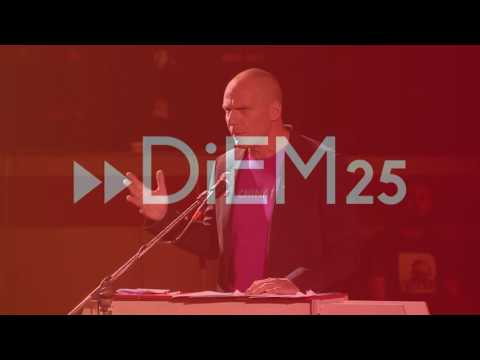 Ομιλία Γιάνη Βαρουφάκη στο Σπόρτιγκ 19-5-2017
