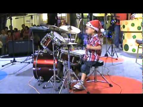 Facebook   Inbox -  明版的Howard drum show!!! [HQ].mp4