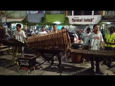 JURAGAN EMPANG I Angklung Malioboro CALUNG FUNK I Traditional Musical Instrument Made of Bamboo