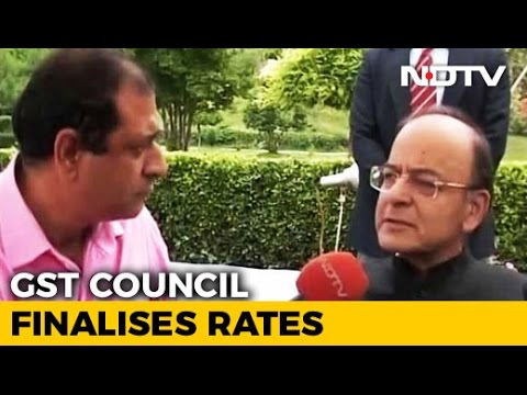 How Much Will You Pay To Eat Out? GST Council Fixes Service Tax Rates