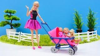 Barbie español. Un cochecito nuevo. Vídeos de juguetes para niñas.