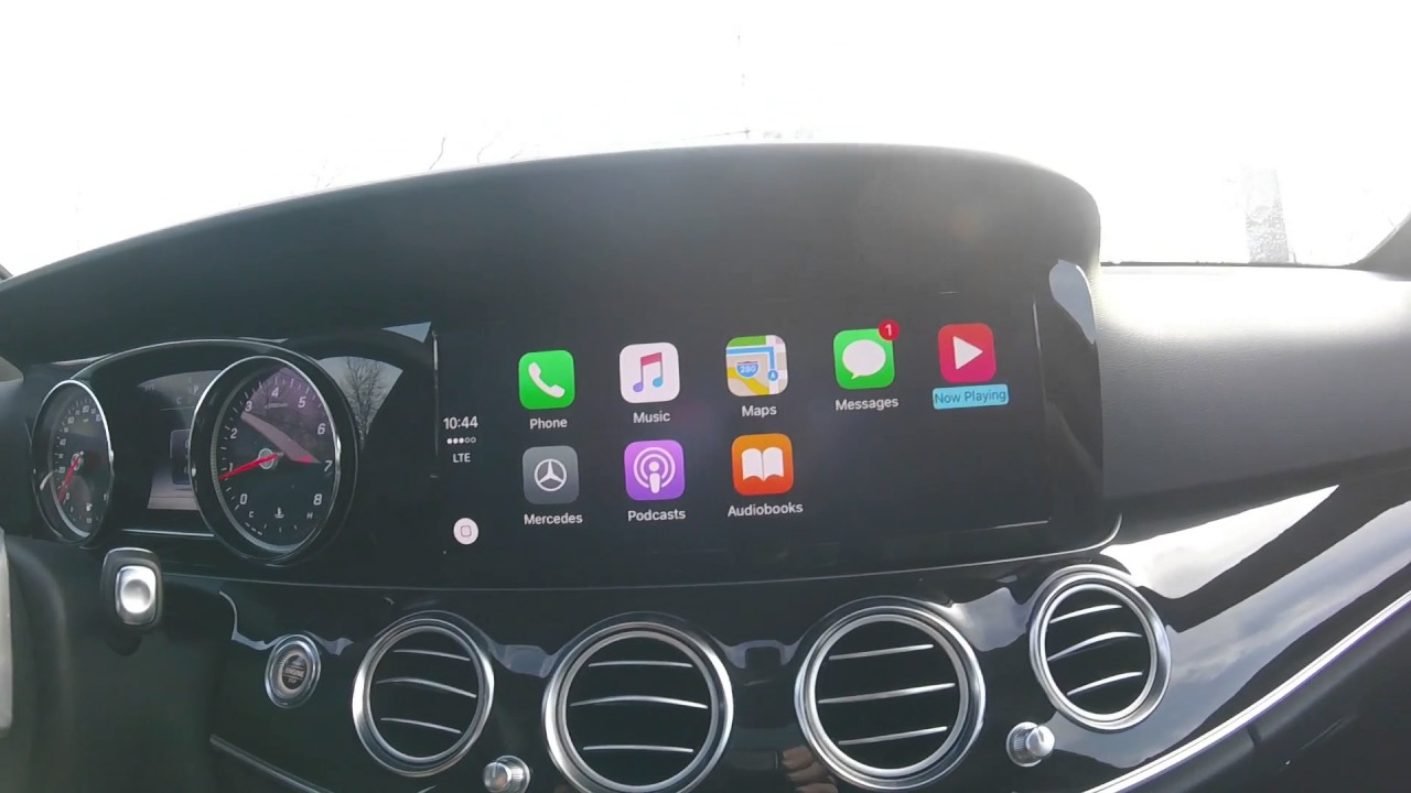 How to use Apple Car Play in a Mercedes-Benz!