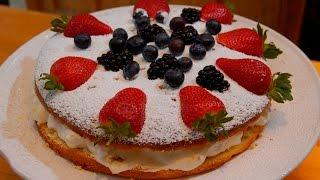 Юлия Высоцкая — Бисквит с ягодами