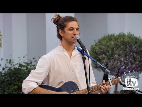 VÍDEO Y GALERÍA: Algunos temas de la actuación de Peter Slow en el Patio de la Casa de los Mora de Lucena
