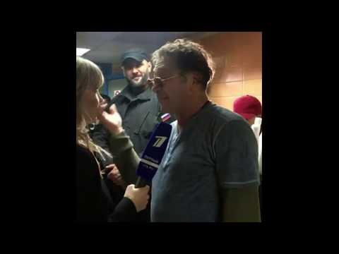 Алла Михеева пытается взять интервью у Григория Лепса