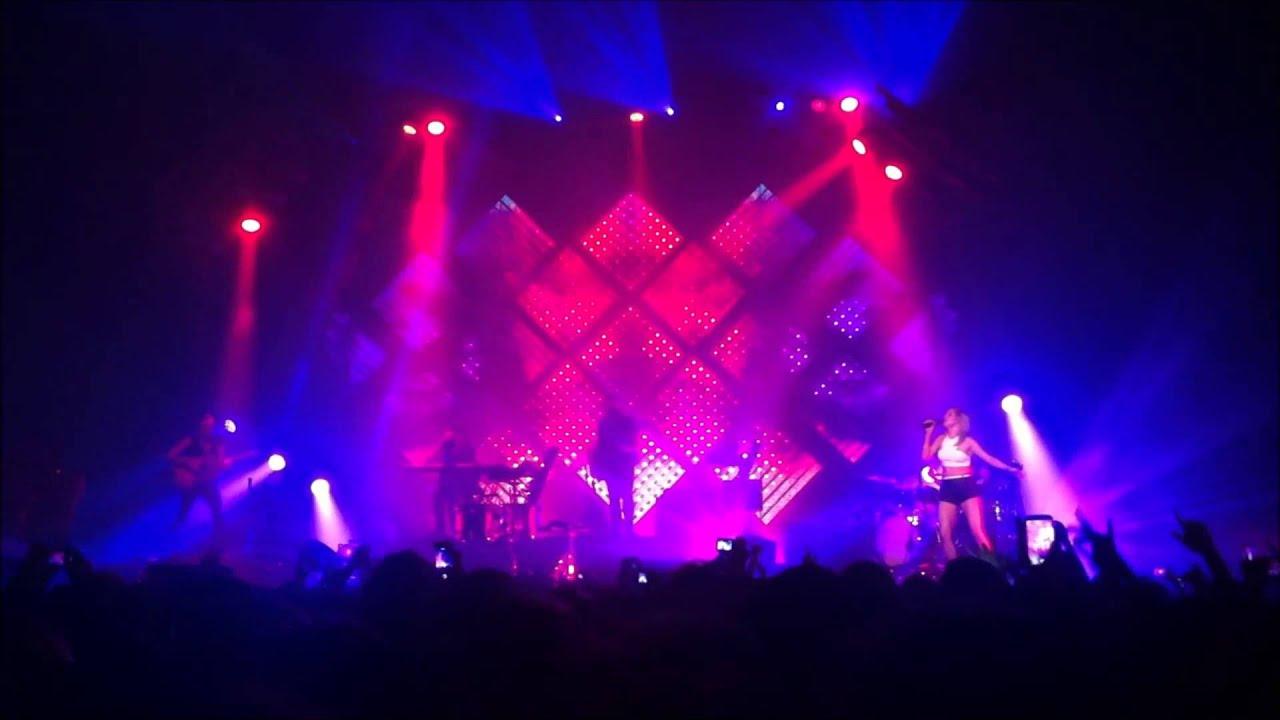 Ellie Goulding LIVE