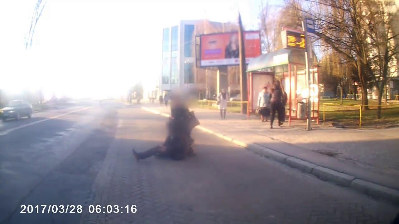 Lublin. Mężczyzna padł przed autobusem