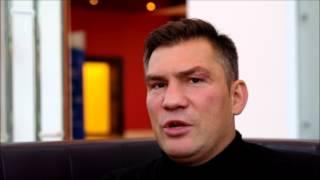 Dariusz Michalczewski o zapasach / Zapasy w każdej szkole