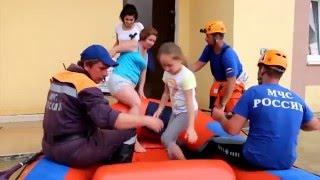 видео Индивидуальные и коллективные средства защиты населения при ЧС