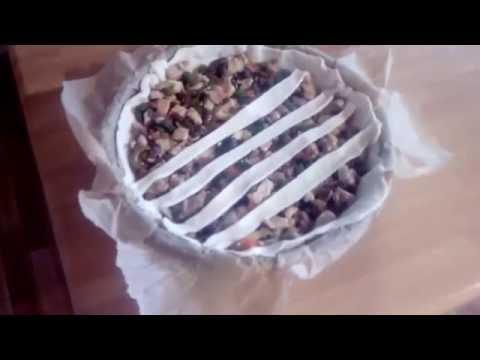 Рецепт очень вкусный пирог с курицей опятами и овощами