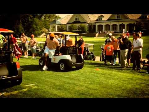 Phillip Fulmer, Al Wilson race golf carts against Virginia Tech