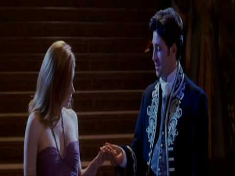 Robert falls in love with Giselle (Enchanted) - YouTube