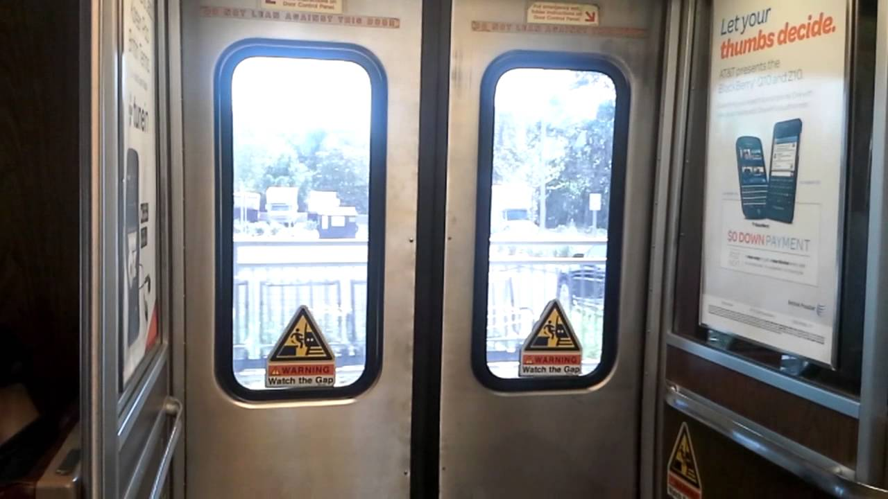 Interesting Door Chime onboard M6 at West Haven - YouTube