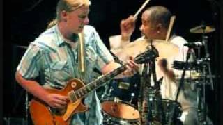 Watch Derek Trucks Band Something To Make You Happy video