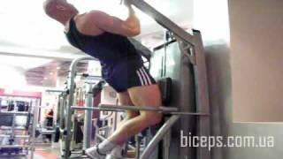 Подтягивания обратным узким хватом для широчайших мышц спины и набора массы. Развитие силы.(Тренируем широчайшие мышцы спины подтягиванием обратным узким хватом. Упражнение для набора массы и разви..., 2009-11-30T16:47:42.000Z)