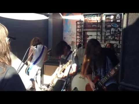 Lizzard Wizzard Live @ The 4ZZZ Carpark 25/10/14
