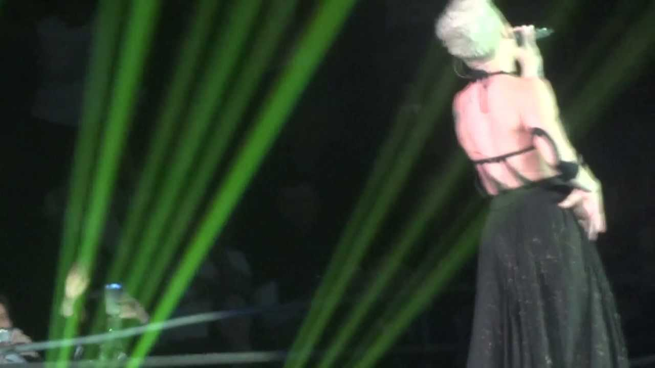 Download P!NK - JUST GIVE ME A REASON - THE TRUTH ABOUT LOVE TOUR - MUNICH GERMANY MAY 19