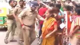 Kanpur: Police public chaos on roads, people protest violently after allegation of rape in hospital