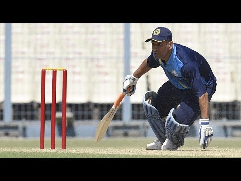 Dhoni's batting in vijay hazare trophy against hyderabad