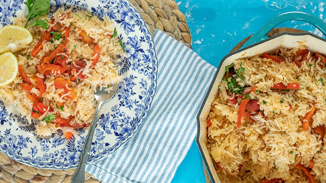 A Vegan Rice Pilaf with Red peppers & Tomatoes: Greek Bourani from Volos