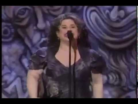 Marissa Jaret Winokur wins 2003 Tony Award for Best Actress in a Musical
