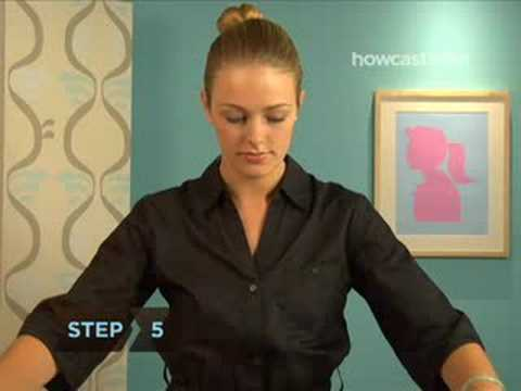 How to Tie a Scarf into a Ladies Ascot