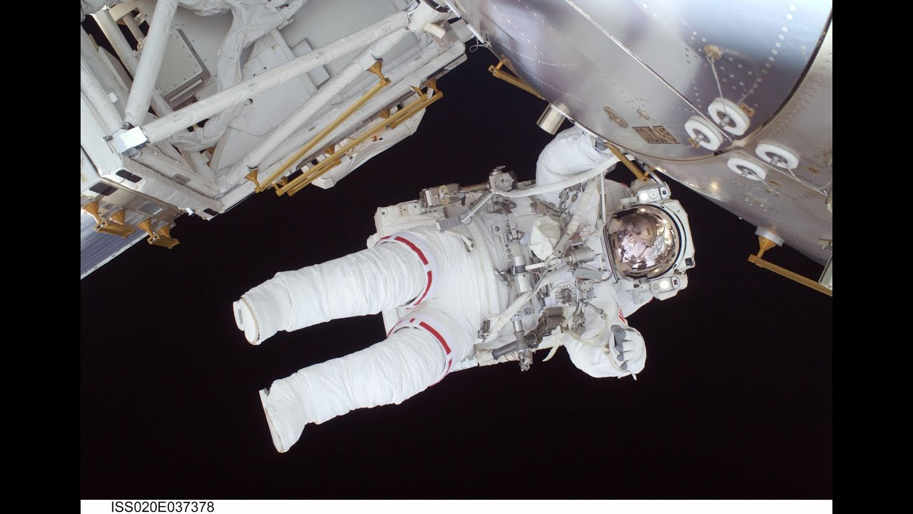 astronaut in space live - photo #22