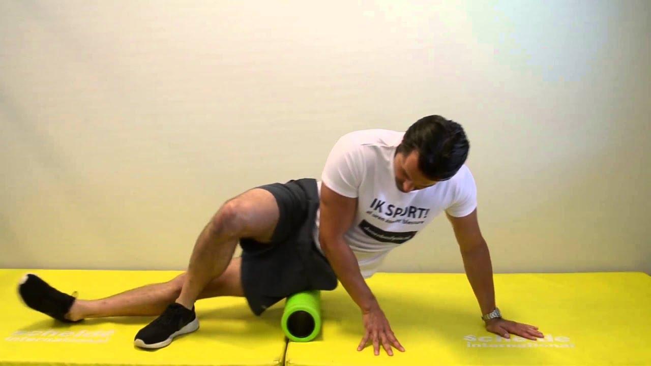 Fysio Oefening: Foamroller tractus iliotibialis - YouTube