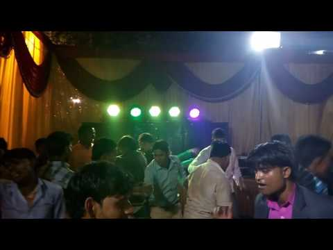 Gori tori chunari ba lal lal re rod pe chalelu kamal chal re full fun dance with enjoyment...(1)