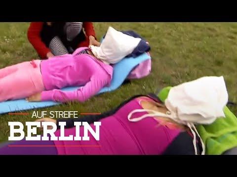 Säcke über dem Kopf: Frauen betäubt und willenlos liegen gelassen   Auf Streife - Berlin   SAT.1 TV