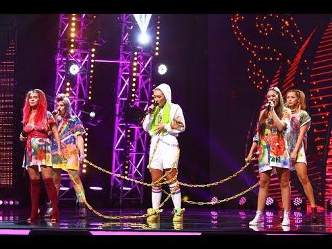 """Sia - """"Bird Set Free"""". Vezi interpretarea trupei Random la X Factor"""