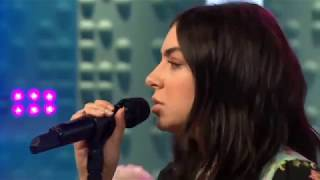 Video Charli XCX - Boys (acoustic) | Live at Sunday Brunch download MP3, 3GP, MP4, WEBM, AVI, FLV Januari 2018