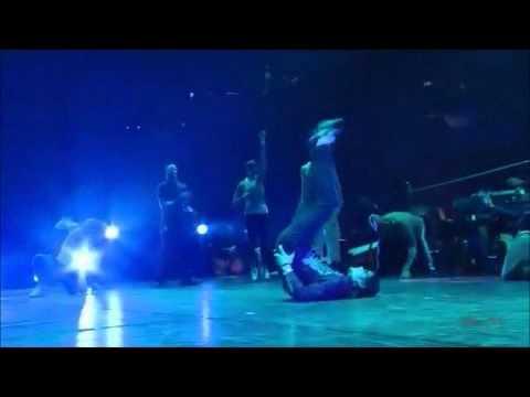 POLÊMICA :  O Michael Jackson criou o '' QUADRADINHO DE 8 '' ??   :D :D lol Vídeos De Viagens