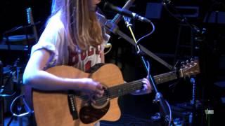 "Lucy Rose - ""Bikes"" (eTown webisode #527)"