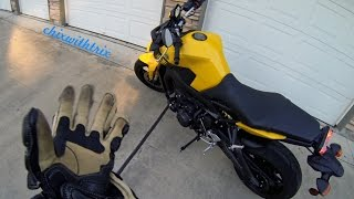 ChixVlog: The Only FZ-09/MT-09 Review You Need to Watch! Yamaha's Wheelie Couch.