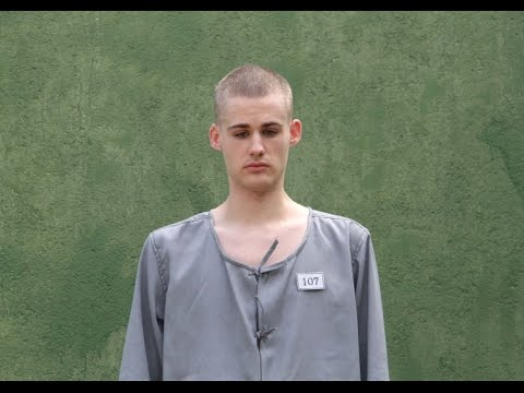 Matthew Miller Sentenced to Labor in North Korea, Photo Released | 25 September 2014