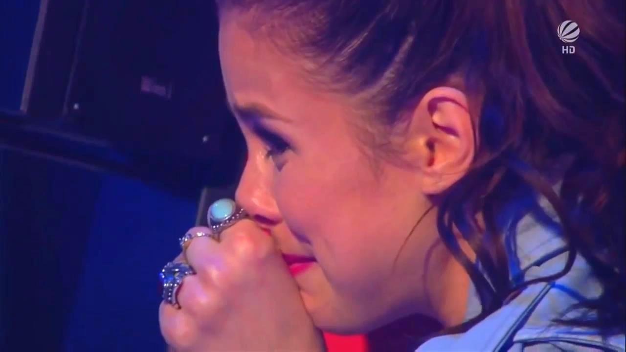 молодую девочку затрахали до слез