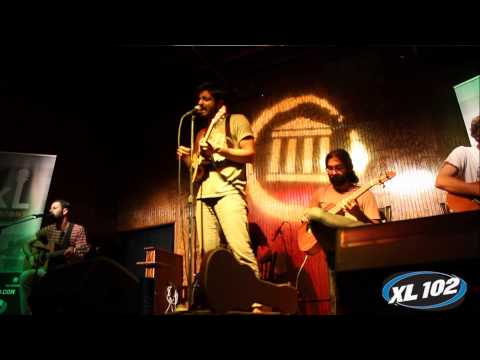 XL Session: Young The Giant