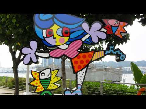 Colorful Art Sculptures By Romero Britto @ Resorts World Sentosa Singapore