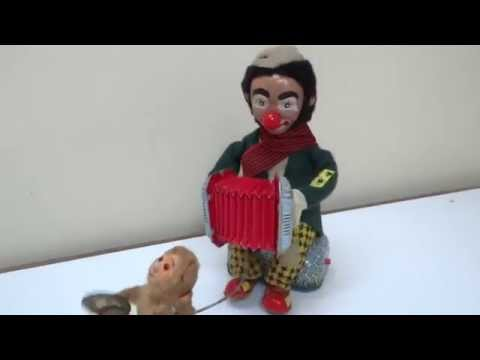 50s ALPS BAT/OP THE ACCORDION PLAYER HOBO WITH MUSICAL CHIMP WORKS C/VIDEO JAPAN