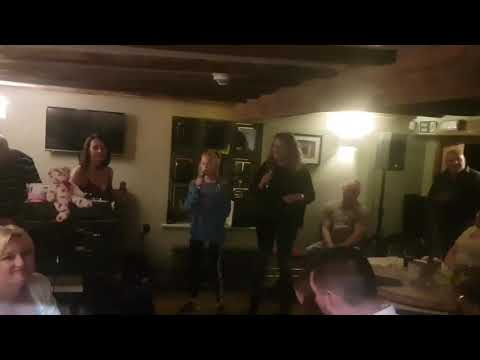 Jessie Deans singing Lady Marmalade at the Butley Oyster in Suffolk on 11th August 2017.