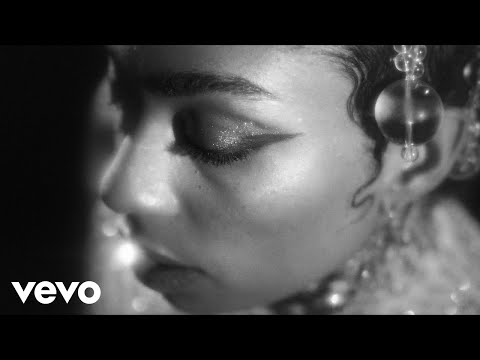 Celeste - I Can See The Change (Official Video)