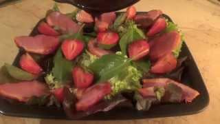 Салат с варено-копченой уткой