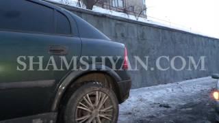 Ավտովթար Երևանում  Դավիթաշենի կամրջի վրա Opel ը դուրս է եկել երթևեկելի գոտուց և բախվել էլեկտրասյանը