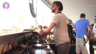 Percussions (Four Tet) - KHLHI [played by Ricardo Villalobos]